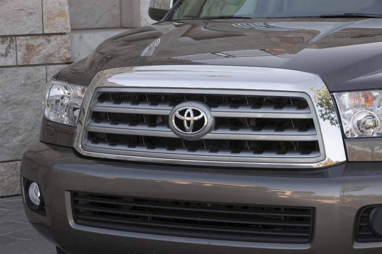 2010 Toyota Sequoia Image