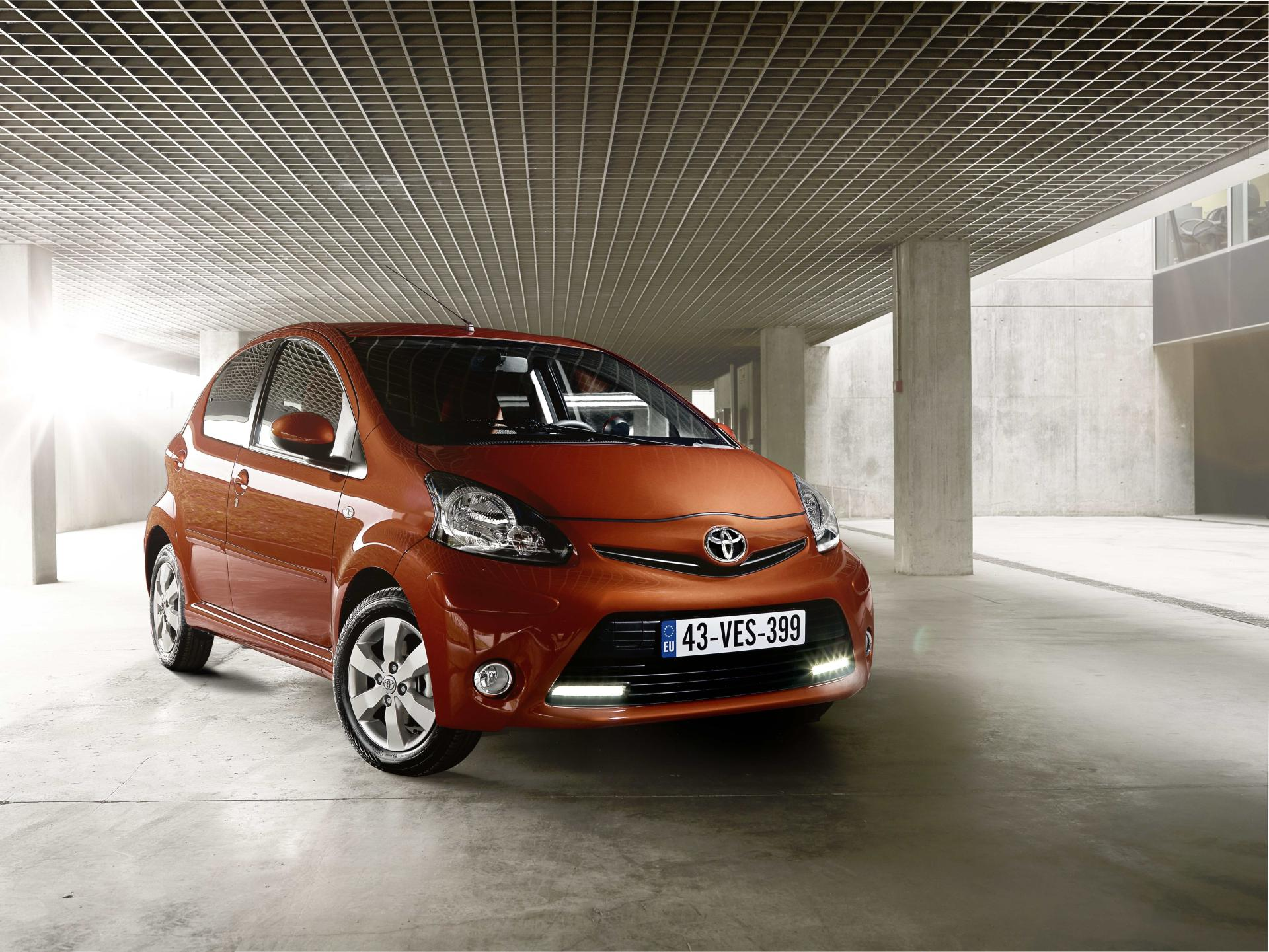 2015 toyota aygo technical specifications and data engine dimensions and mechanical details. Black Bedroom Furniture Sets. Home Design Ideas