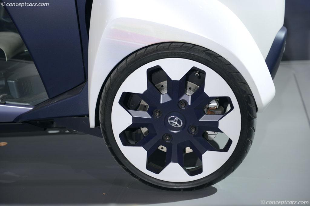 2013 Toyota i-Road Concept thumbnail image