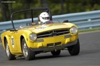 1973 Triumph TR6 image.