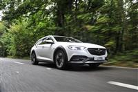 2017 Vauxhall Insignia Country Tourer image.