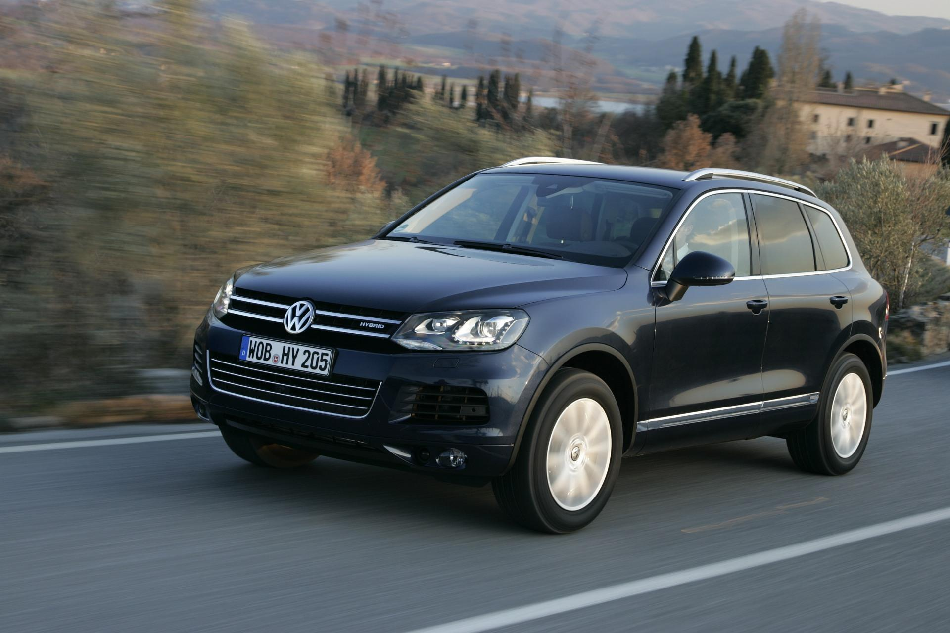 2011 volkswagen touareg images photo 2011 vw touareg suv. Black Bedroom Furniture Sets. Home Design Ideas