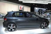 2010 Volkswagen GTI image.