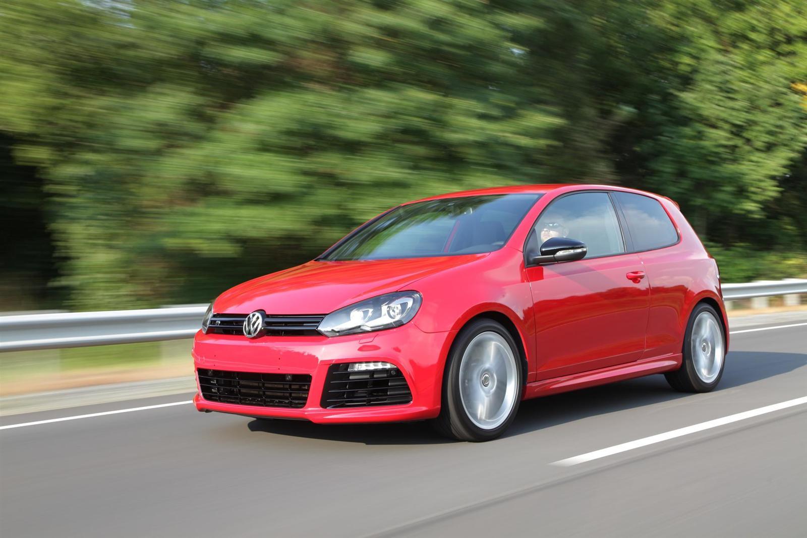 2012 Volkswagen Golf R Image