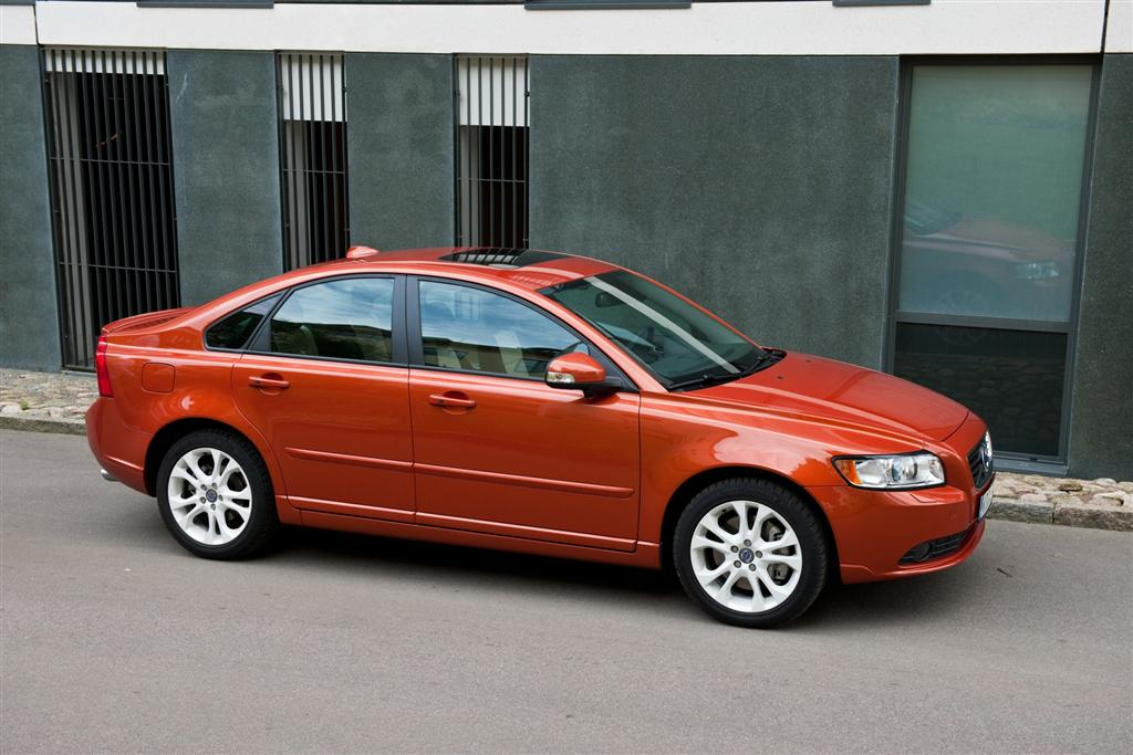 2011 volvo s40. Black Bedroom Furniture Sets. Home Design Ideas