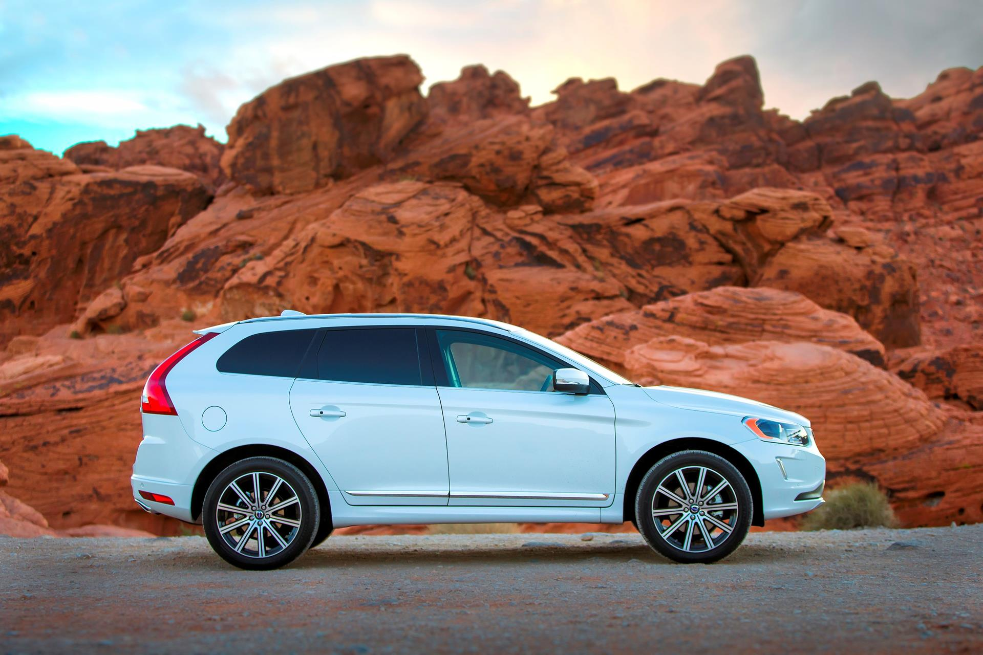 2015 volvo xc60 technical specifications and data engine dimensions and mechanical details. Black Bedroom Furniture Sets. Home Design Ideas