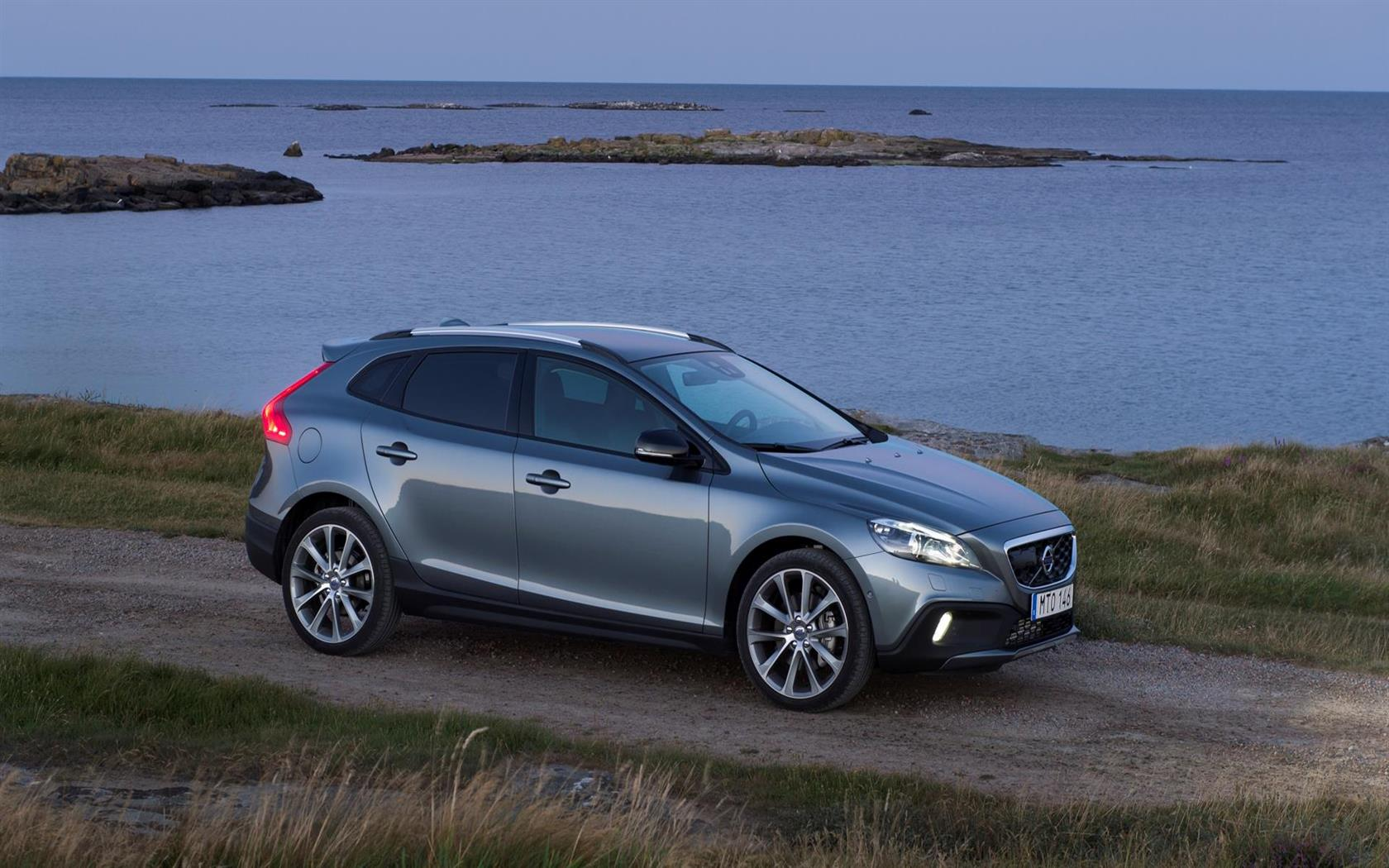2016 Volvo V40 Cross Country Images Photo 2016 Volvo V40