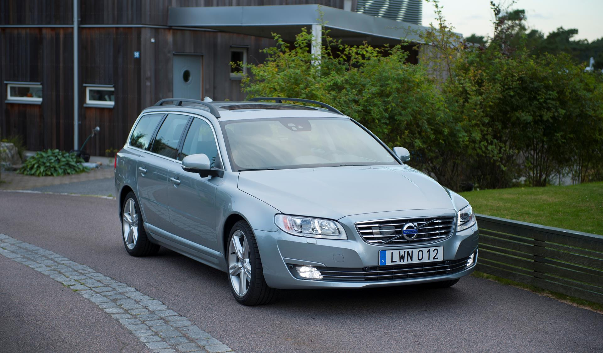 Rpm Monthly Calendar : Volvo v technical specifications and data engine