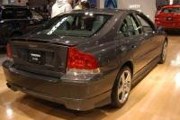 2005 Volvo S60 image.