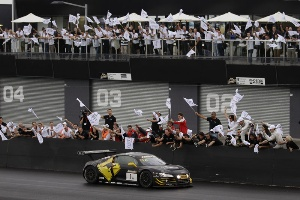 Audi R8 LMS defends title at Bathurst