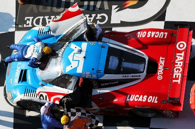 BMW-POWERS-CHIP-GANASSI-RACING-WITH-FELIX-SABATES-TO-VICTORY-AT-ROLEX-24-AT-DAYTONA