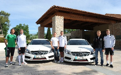 Michael-Schumacher,-Nico-Rosberg-and-the-German-national-football-team-drive-the-new-A-Class