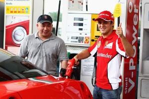 Felipe Massa Fuels Fans In Malaysia