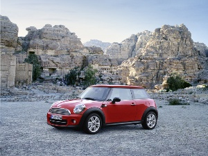 MINI further widens its global sales network: first MINI showroom launches in Jordan.