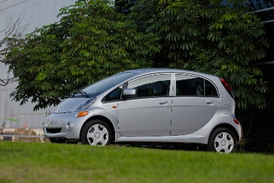2012-Mitsubishi-i-Named-a-10-Best-Green-Car-by-Kelley-Blue-Books-kbbcom