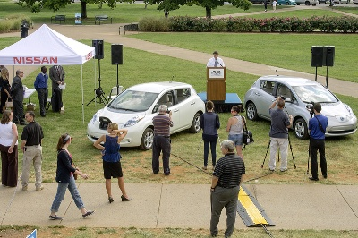 Nissan Donates LEAF Vehicles, Charging Stations to MTSU