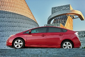 Toyota Reports Sales of Over 200,000 Vehicles in March 2012