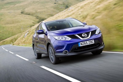 ANOTHER TROPHY FOR THE COLLECTION: QASHQAI NAMED BEST MAINSTREAM SUV IN THE 2016 TELEGRAPH CAR AWARDS