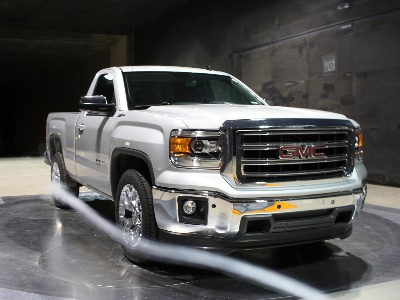 GMC PICKUPS 101: BUSTING MYTHS OF TRUCK AERODYNAMICS