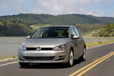 2015 VOLKSWAGEN GOLF FAMILY WINS GREEN CAR REPORTS' 'BEST CAR TO BUY 2015' AWARD