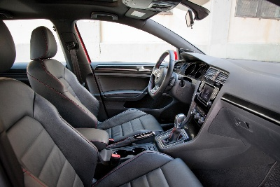 2015 VOLKSWAGEN GOLF GTI NAMED TO '2014 WARD'S 10 BEST INTERIORS' LIST