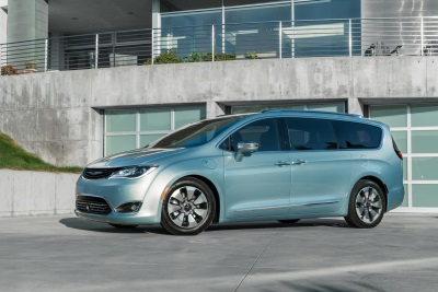 All-New 2017 Chrysler Pacifica Hybrid Wins 'Family Car Of Texas' From Texas Auto Writers Association