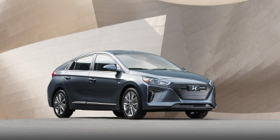 Hyundai Ioniq Wins 2017 Green Good Design Award