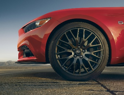 AGILE FORD MUSTANG FEATURES ALL-NEW SUSPENSION; PERFORMANCE PACK RAISES BAR FOR HANDLING AND BRAKING
