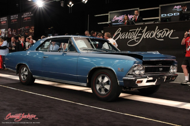 midweek record crowds at day five of barrett jackson. Black Bedroom Furniture Sets. Home Design Ideas