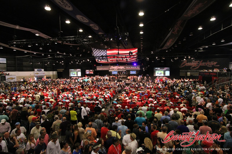 barrett jackson auction sales exceed 23 2 million with impressive crowds and top stars in palm. Black Bedroom Furniture Sets. Home Design Ideas