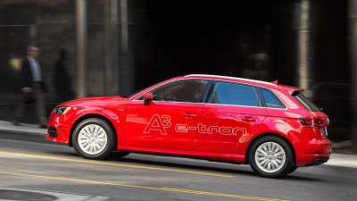 POWERFUL BATTERY IN AUDI ELECTRIC CAR WITH CELL MODULES FROM LG AND SAMSUNG