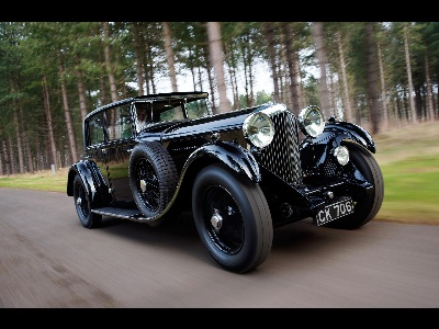 BENTLEY GREATS READY FOR 2014 CONCOURS OF ELEGANCE