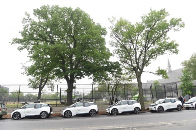 BMW DONATES 20 BMW I3 VEHICLES TO NYC PARKS IN SUPPORT OF TREESCOUNT! 2015 CENSUS