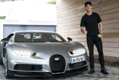 Tested & Approved By A Champion: Football Superstar Cristiano Ronaldo Gives Bugatti Chiron The Green Light