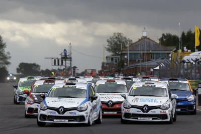 Bushell Holds Commanding Lead As Renault UK Clio Cup Season Resumes At Snetterton