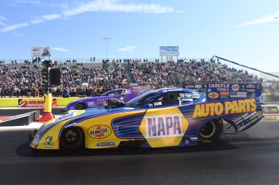 Capps Earns Runner-Up Finish In Mopar Dodge Funny Car At NHRA Fallnationals