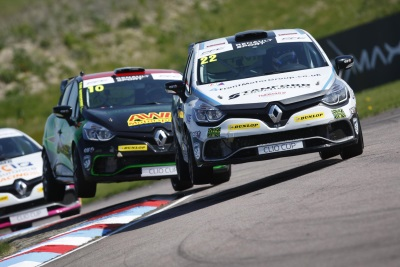 CHESHIRE'S SWOOPING OULTON PARK NEXT STOP FOR RENAULT UK CLIO CUP GRID