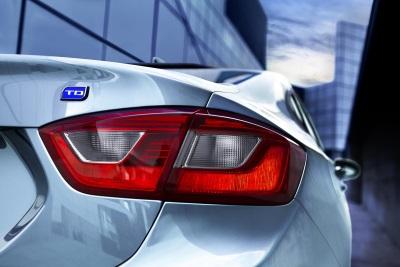 Cruze Diesel Sedan Sets 52-MPG Benchmark