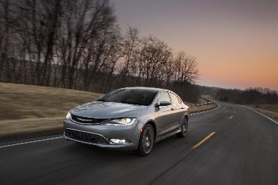 2015 Chrysler 200 Named Midwest Automotive Media Association's 'Family Vehicle of the Year'