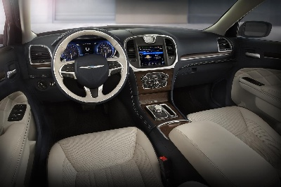 NEW 2015 CHRYSLER 300 AND ALL-NEW 2015 JEEP® RENEGADE NAMED TO 'WARD'S 10 BEST INTERIORS LIST FOR 2015'