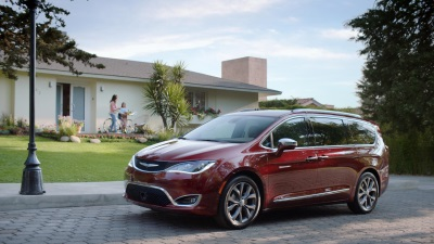 Chrysler Brand Launches Campaign For Hispanic Market