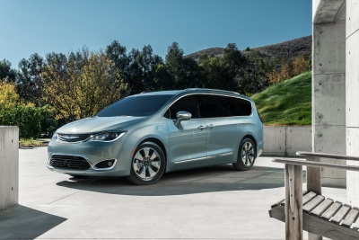 All-New 2017 Chrysler Pacifica Named Top Minivan Of 2017 By New York Daily News Autos Team