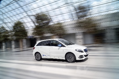 Commercial release of Mercedes-Benz B-Class Electric Drive: Local emission-free driving from €399/month