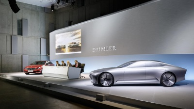 Daimler continues along successful path: record figures for unit sales, revenue and earnings in 2015 – highest ever dividend proposed – ongoing positive outlook