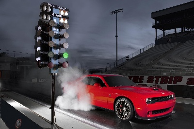The Beast is Unleashed: 2015 Dodge Challenger SRT Hellcat On Way To Dealerships