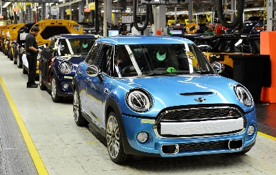 DOUBLE REASON TO CELEBRATE: TWO MILESTONES FOR MINI IN OXFORD