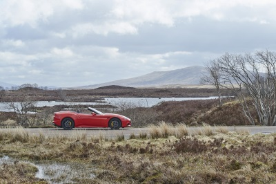 FERRARI CALIFORNIA T VISITS ANDY SCOTT, SCULPTOR, THE KELPIES - 'THESE THINGS ARE WHAT MAKE LIFE WORTH LIVING'