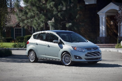 2014 FORD C-MAX HYBRID EARNS TOP SAFETY PICK FROM INSURANCE INSTITUTE FOR HIGHWAY SAFETY