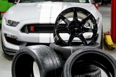 FORD RELEASES DETAILS ON WORLD'S FIRST MASS-PRODUCED CARBON FIBER WHEELS FOR SHELBY GT350R MUSTANG
