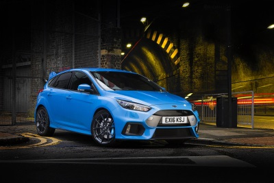 FORMIDABLE FORD FOCUS RS AND ITS ENGINEER CROWNED BY AUTOCAR